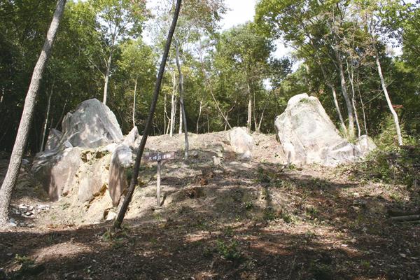 13-夫婦岩遺跡